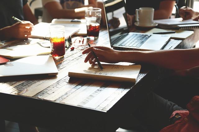 combinar estudios con trabajo